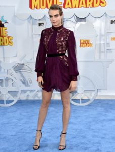 cara-delevingne-movie-awards-15-1428882303